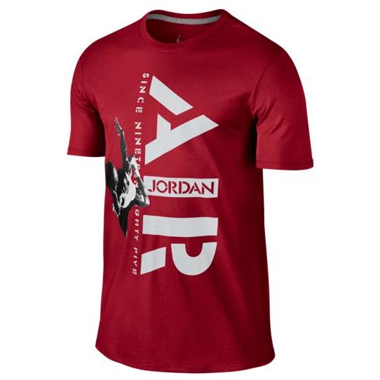Другие товары JordanФутболка Air Jordan Since 1985 Tee<br><br>Цвет: Красный<br>Выберите размер US: L