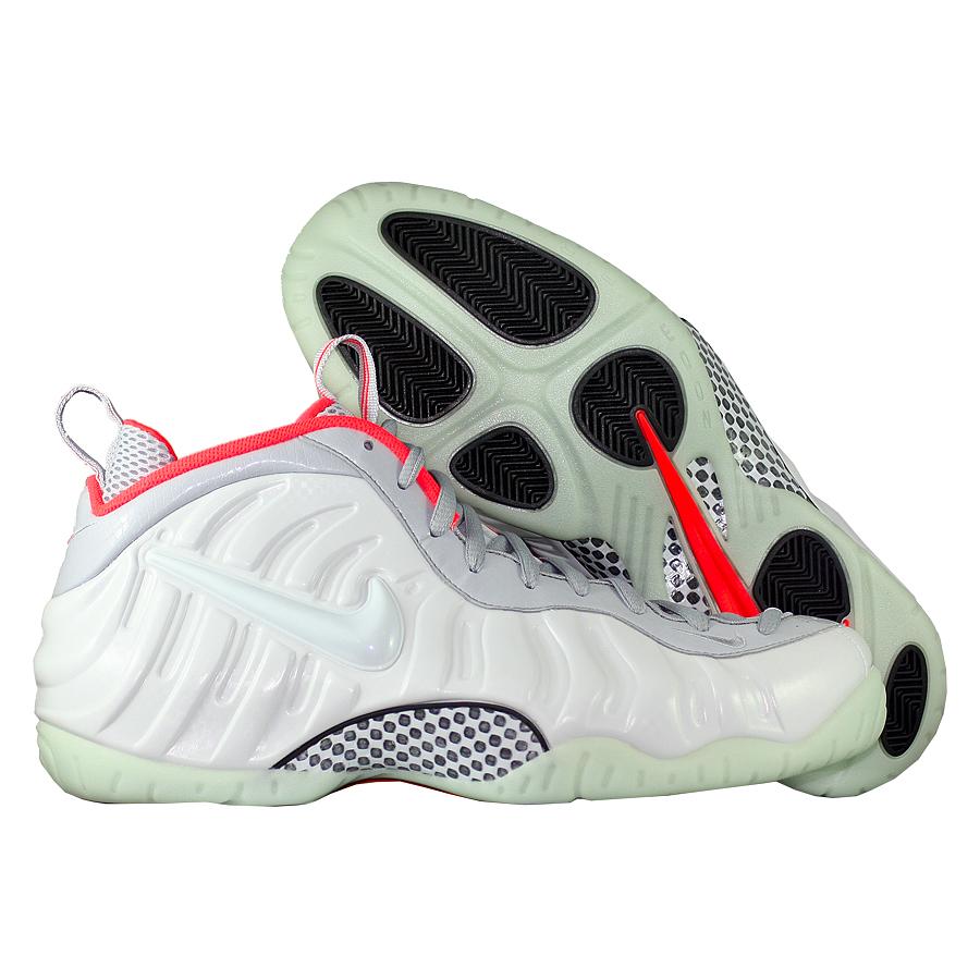 Кроссовки NikeКроссовки баскетбольные Nike Air Foamposite Pro quot;Pure Platinumquot;<br><br>Цвет: Серый<br>Выберите размер US: 12,5|14