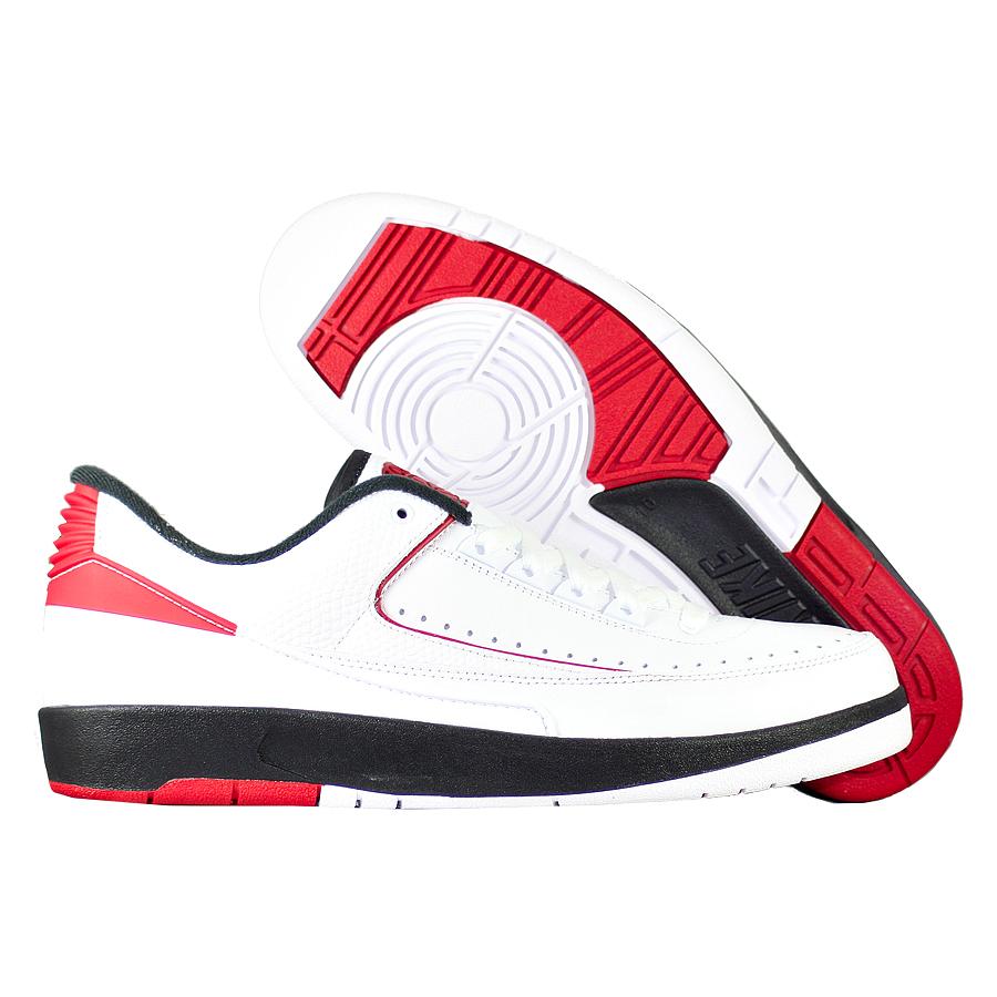Кроссовки JordanКроссовки баскетбольные Air Jordan 2 (II) Retrlo Low quot;Chicagoquot; OG<br><br>Цвет: Белый<br>Выберите размер US: 10|10,5|11|11,5|12