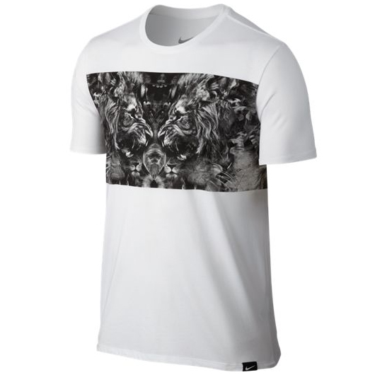 Другие товары NikeФутболка Nike LeBron Lion T-ShirtФутболка Nike из коллекции Kobe Bryant. Состав - 58% хлопок, 42% полиэстер.<br><br>Цвет: Белый<br>Выберите размер US: XL|2XL