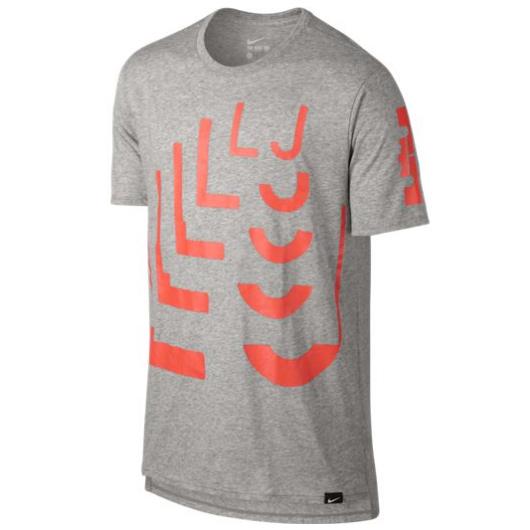 Другие товары NikeФутболка Nike LeBron Art 1 T-ShirtФутболка Nike из коллекции Kobe Bryant. Состав - 58% хлопок, 42% полиэстер.<br><br>Цвет: Серый<br>Выберите размер US: L|XL|2XL