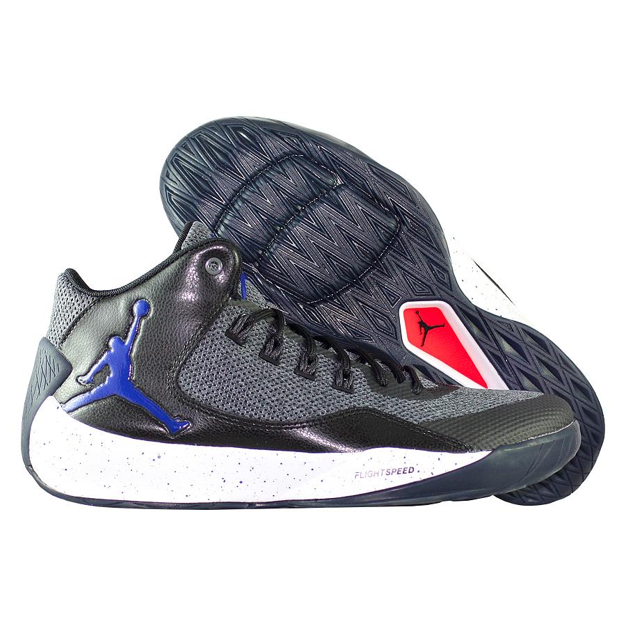 Кроссовки JordanКроссовки баскетбольные Air Jordan Rising High 2Мужские баскетбольные кроссовки Jordan Rising High 2 с низкопрофильной амортизацией и инновационной технологией FlightSpeed обеспечивают максимальную упругость на площадке. Гибкий вентилируемый верх обеспечивает охлаждение и свободу движений, а нити Flywire надежно фиксируют стопу при быстрых рывках к кольцу.<br><br>Цвет: Серый<br>Выберите размер US: 12,5|13|8|10,5|11|12