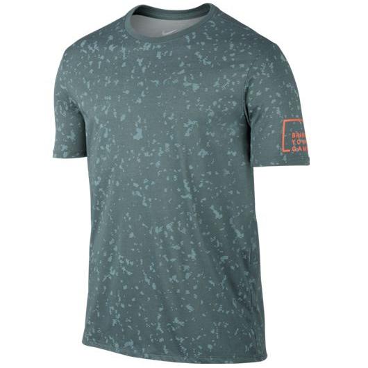 Другие товары NikeФутболка Nike Cross Dye BYG Basketball T-ShirtФутболка Nike из коллекции Kobe Bryant. Состав - 58% хлопок, 42% полиэстер.<br><br>Цвет: Зелёный<br>Выберите размер US: L|XL