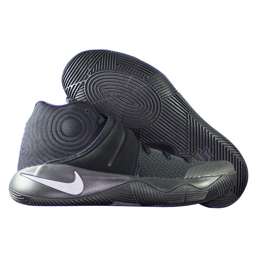 Кроссовки NikeКроссовки баскетбольные Nike Kyrie 2 quot;Tripple Blackquot;Первые именные кроссовки игрока НБА Кайри Ирвинга! Модель создана для очень быстрых и активных игроков. Она лёгкая, прочтая и удобная, обладает хорошей амортизацией. Подходит для игры на любой позиции.<br><br>Цвет: Чёрный<br>Выберите размер US: 14