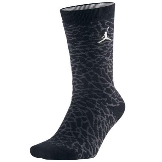 Другие товары JordanНоски Air Jordan 3 Crew SockНоски Jordan Brand<br><br>Цвет: Чёрный<br>Выберите размер US: M|L|XL