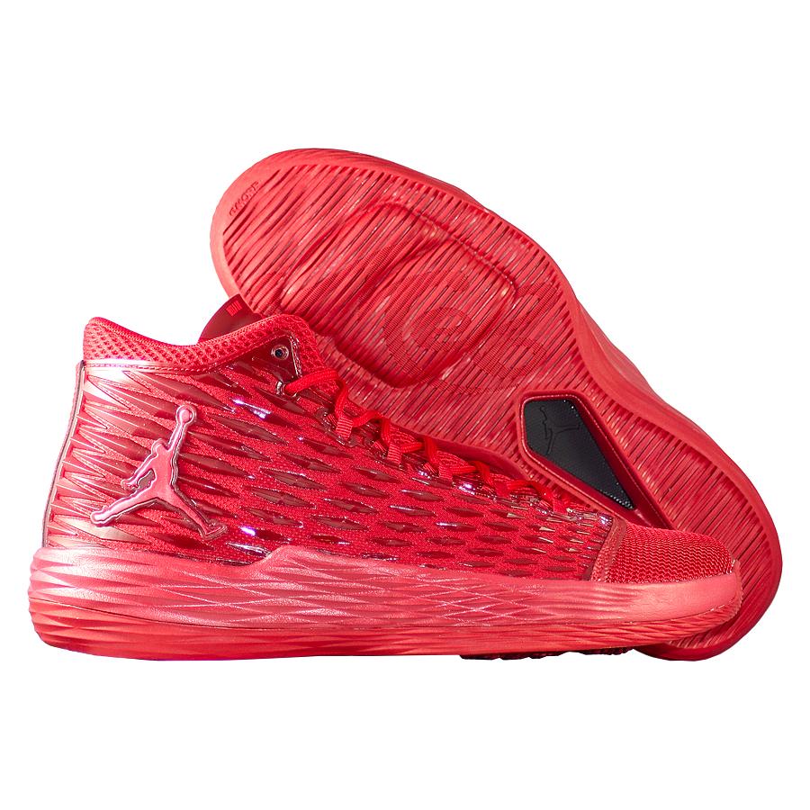 Кроссовки JordanКроссовки баскетбольные Air Jordan Melo M13 quot;Red Applequot;Баскетбольные кроссовки игрока NBA - Carmelo Anthony. Одиннадцатая именная модель выполнена из самых современных материалов. Кроссовки очень лёгкие и прочные, обладают хорошей амортизацией. Подходят для игроков на любых позициях. Подмётка немаркая.<br><br>Цвет: Красный<br>Выберите размер US: 14