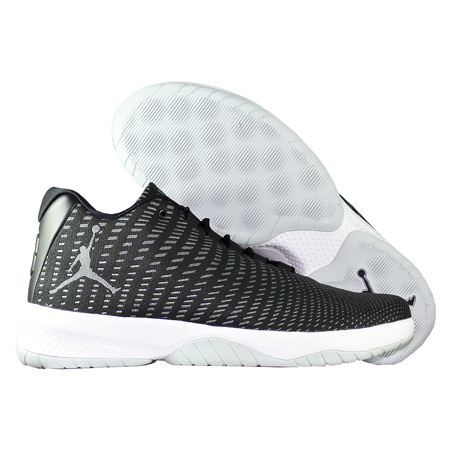 Кроссовки JordanКроссовки баскетбольные Air Jordan B.Fly<br><br>Цвет: Чёрный<br>Выберите размер US: 8|9|9,5|10|10,5|11|11,5|12|12,5|13|14