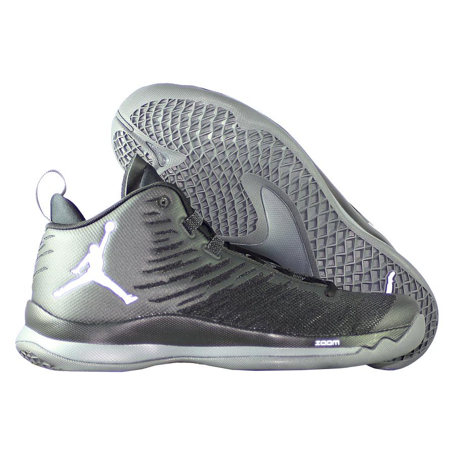 Кроссовки JordanКроссовки баскетбольные Air Jordan Super.Fly 5 quot;Blackoutquot;<br><br>Цвет: Чёрный<br>Выберите размер US: 7|8|9,5|10|11