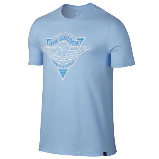 Другие товары JordanФутболка Air Jordan Fadeaway All Tourney T-ShirtФутболка Jordan Brand. Материал 100% хлопок<br><br>Цвет: Голубой<br>Выберите размер US: M|L|XL|2XL