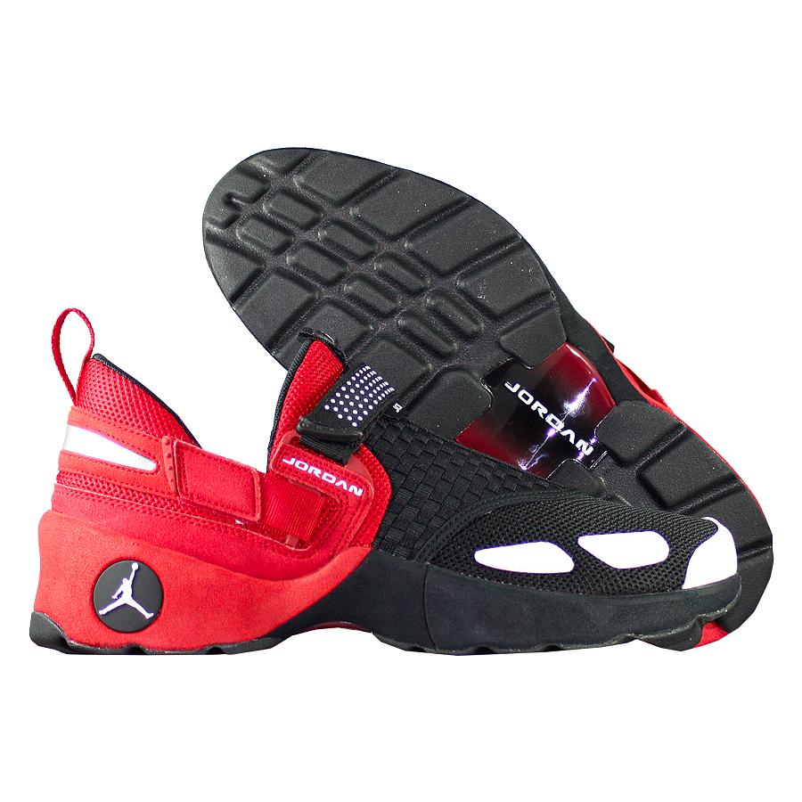 Кроссовки JordanКроссовки Air Jordan Trunner LX OG quot;Bredquot;<br><br>Цвет: Чёрный<br>Выберите размер US: 10,5|11|14