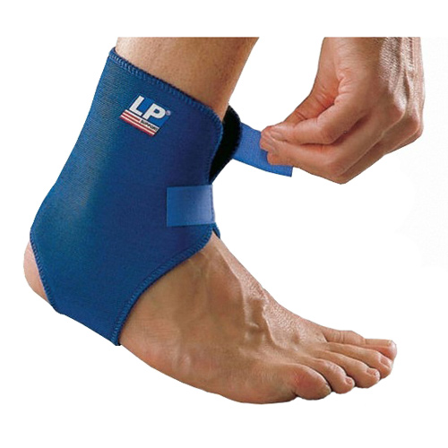 Другие товары LP SupportСуппорт голеностопа неопреновый с ремнями LP Ankle Support Strap<br><br>Цвет: Синий<br>Выберите размер US: 1SIZE