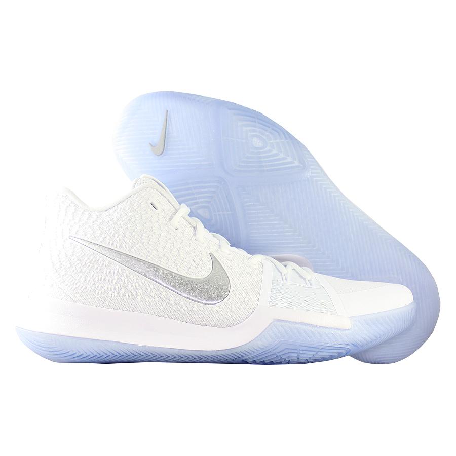 Кроссовки NikeКроссовки баскетбольные Nike Kyrie 3 quot;Chromequot;Первые именные кроссовки игрока НБА Кайри Ирвинга! Модель создана для очень быстрых и активных игроков. Она лёгкая, прочтая и удобная, обладает хорошей амортизацией. Подходит для игры на любой позиции.<br><br>Цвет: Белый<br>Выберите размер US: 10|10,5|11|11,5|17