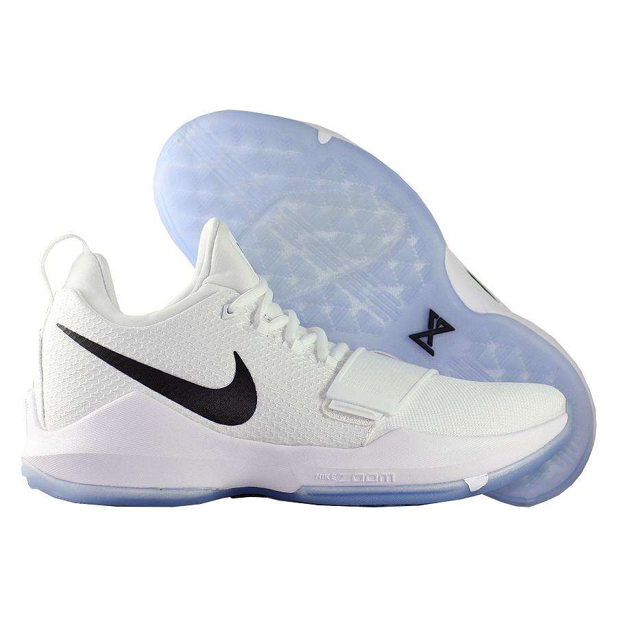 Кроссовки NikeКроссовки баскетбольные Nike PG 1 quot;Checkmatequot;Первые именные кроссовки игрока НБА Кайри Ирвинга! Модель создана для очень быстрых и активных игроков. Она лёгкая, прочтая и удобная, обладает хорошей амортизацией. Подходит для игры на любой позиции.<br><br>Цвет: Белый<br>Выберите размер US: 8|9|12,5