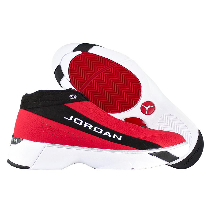 "Баскетбольные кроссовки Air Jordan Team Showcase ""Gym Red"" фото"