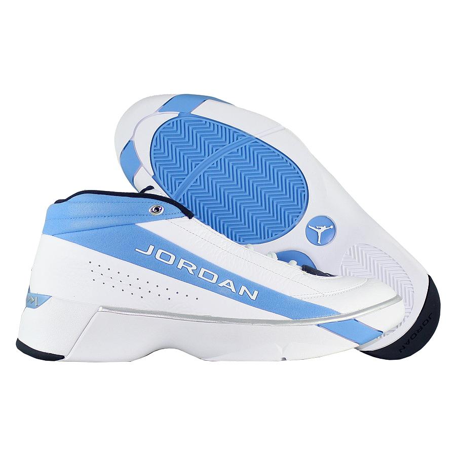 """Баскетбольные кроссовки Air Jordan Team Showcase """"UNC"""" фото"""