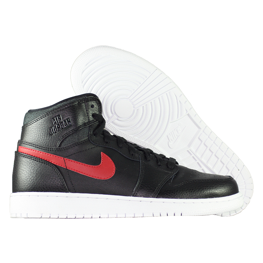 Кроссовки JordanКроссовки детские баскетбольные Air Jordan 1 Retro High quot;The Returnquot; BG<br><br>Цвет: Чёрный<br>Выберите размер US: 6|7