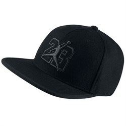 kepka-air-jordan-13-hat-835595-010