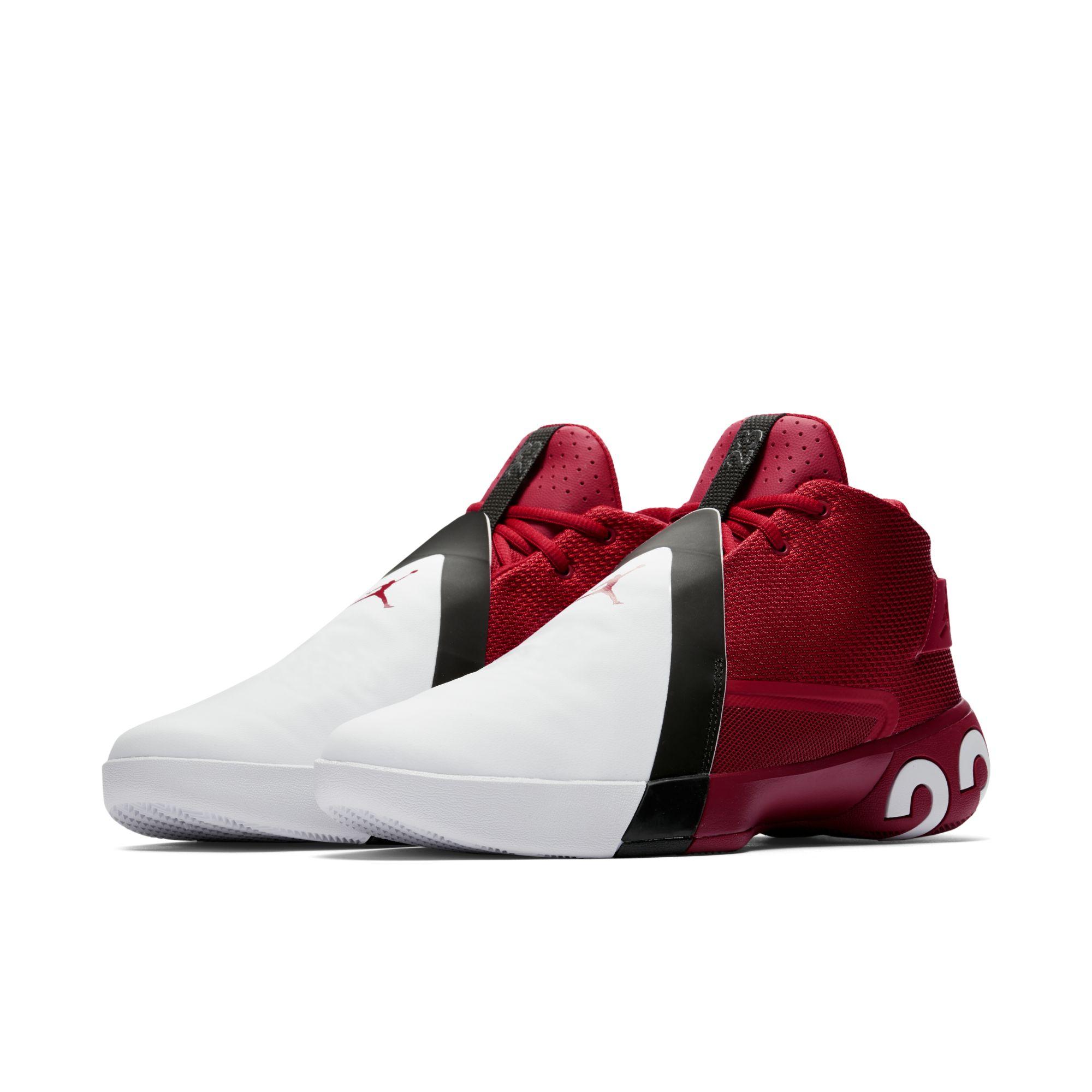 Появились фото новой расцветки кроссовок Jordan Brand 8ca0d419ae989