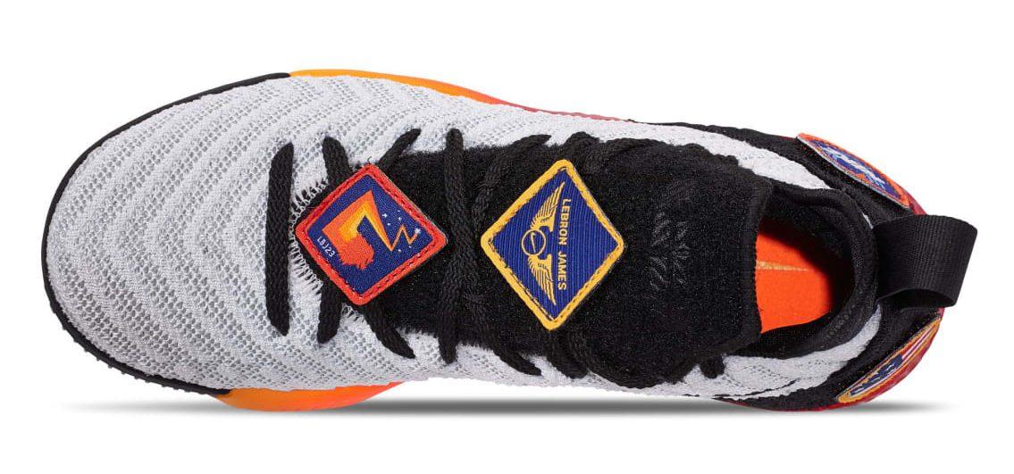 Леброн Джеймс получил необычные именные кроссовки 3490be41126